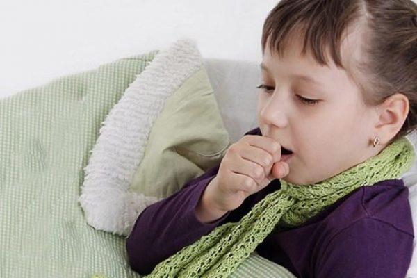 trẻ bị suyễn