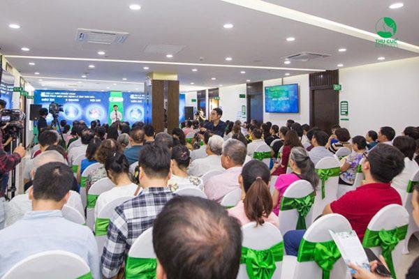"""Hội thảo """"Nội soi tiêu hóa không đau phát hiện sớm ung thư - Công nghệ NBI 5P thế hệ mới"""" do Bệnh viện Thu Cúc tổ chức thu hút sự quan tâm của đông đảo người dân và các cơ quan báo chí lớn"""