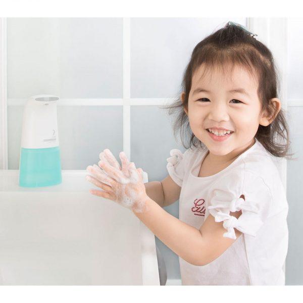 rửa tay cho trẻ đúng cách