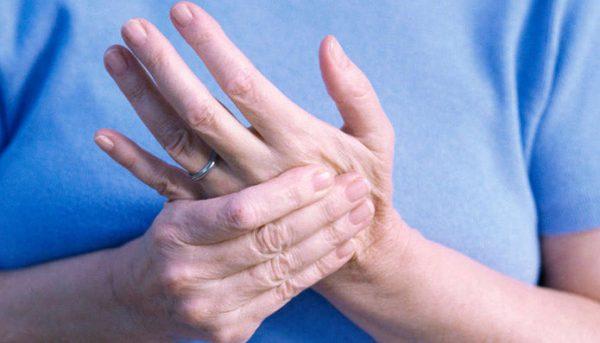 Nguyên nhân tê bì chân tay và cách phòng tránh tình trạng tê bì chân tay