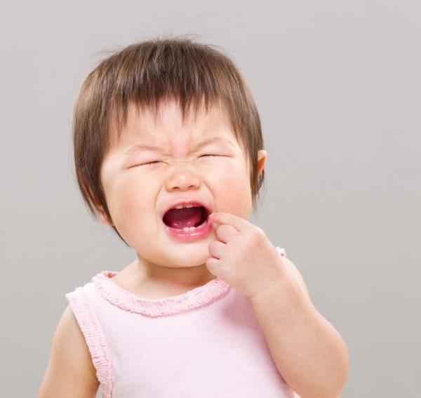 chăm sóc răng cho trẻ nhỏ