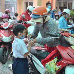 Bệnh mùa nóng trẻ dễ mắc phải khi đến trường mẹ cần lưu ý