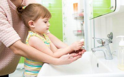Chủ động phòng bệnh mùa nóng cho trẻ bằng những biện pháp an toàn