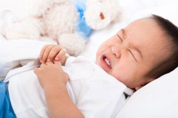 dấu hiệu ngộ độc thực phẩm ở trẻ em