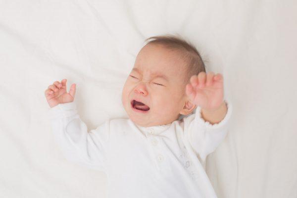 Rụng tóc ở trẻ nhỏ không chắc chắn là do bé bị còi xương.