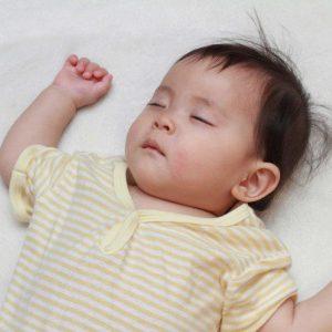 """[Cảnh báo] Trẻ co giật toàn thân vì uống thuốc chữa tiêu chảy """"rởm"""""""