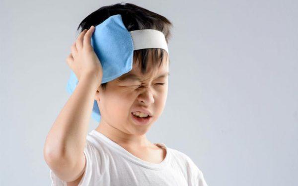 xử trí đau đầu ở trẻ em