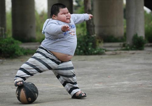 béo phì bệnh thường gặp ở bé trai