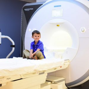 Chụp cộng hưởng từ (MRI) cho trẻ có nguy hiểm gì không?