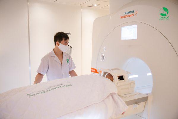 chụp cộng hưởng từ MRI cho trẻ
