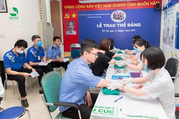 Bệnh viện Thu cúc tổ chức lấy mẫu xét nghiệm tận nơi cho Công ty Sài gòn Co.op
