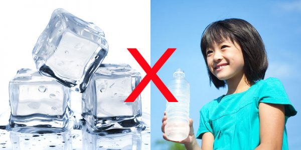 trẻ bị viêm họng cấp do uống nước đá