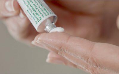 Cẩn thận khi sử dụng kem bôi da có chứa Corticoid cho trẻ