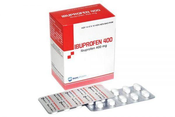 trẻ em bị sốt không rõ nguyên nhân không nên uống ibuprofel