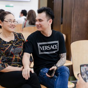 Ca sĩ Khắc Việt: Phận làm con, hãy quan tâm nhiều hơn đến sức khỏe cha mẹ