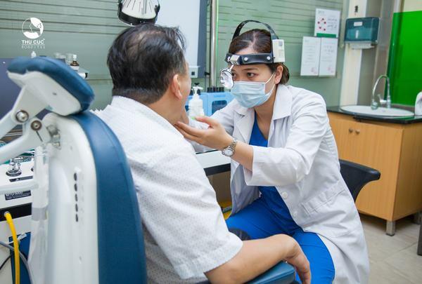 Lựa chọn bệnh viện uy tín, đặc biệt là cơ sở có chuyên khoa Tai Mũi Họng danh tiếng, nơi có bác sĩ giỏi, cơ sở vật chất và thiết bị tốt là đảm bảo vàng cho hiệu quả nội soi cũng như sự an toàn cho khách hàng.