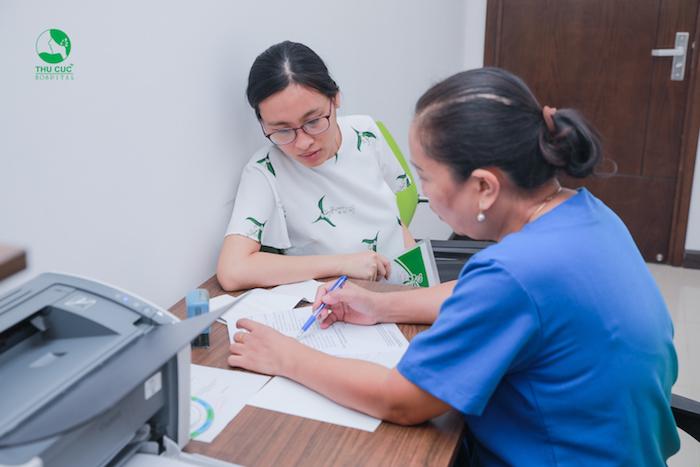 Khám phụ khoa là quá trình bác sĩ sẽ khám tất cả những bộ phận sinh dục của nữ.