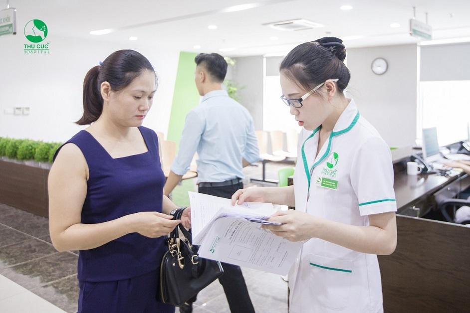 Khách hàng thăm khám phụ khoa tại bệnh viện Đa khoa quốc tế Thu Cúc