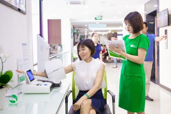 Khách hàng được hướng dẫn cụ thể và chi tiết khi thăm khám tại bệnh viện ĐKQT Thu Cúc