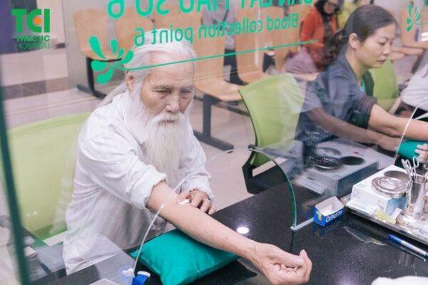 khám sức khỏe người cao tuổi