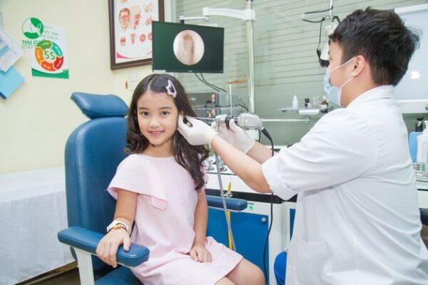 khám sức khỏe định kỳ cho bé