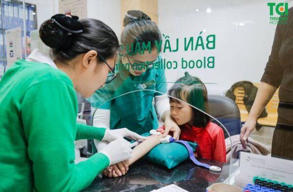khám sức khỏe định kỳ cho trẻ