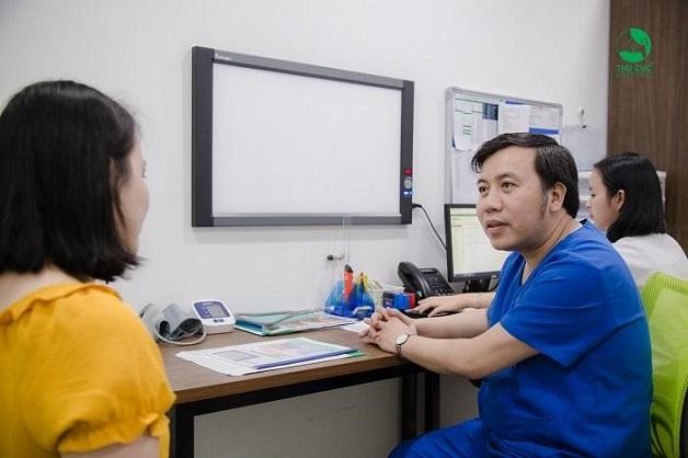 Để biết rõ ưu nhược điểm của cấy que tránh thai, chị em nên tới bệnh viện để được bác sĩ tư vấn