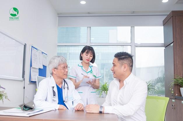 Khi có biểu hiện đau nửa đầu bên phải, bạn nên đến gặp bác sĩ ngay để được chẩn đoán nguyên nhân và điều trị kịp thời