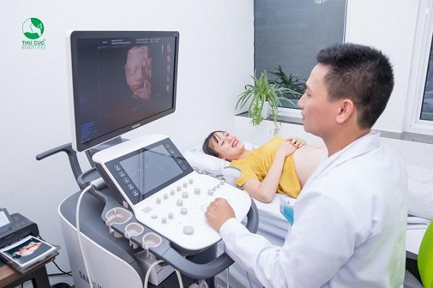 Mẹ nên siêu âm định kỳ để bác sĩ phát hiện sớm những bất thường nếu có