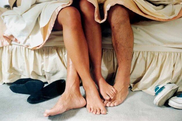 Quan hệ tình dục không an toàn dễ dẫn tới tình trạng viêm nhiễm, làm hẹp tắc ống dẫn trứng