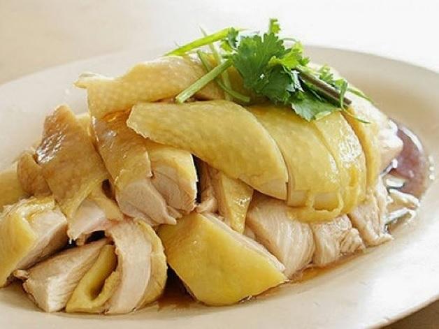 Sau sinh mổ ăn thịt gà được không là thắc mắc của nhiều sản phụ