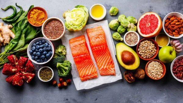 Suy thận độ 3 nặng hay nhẹ một phần phụ thuộc vào chế độ dinh dưỡng của người bệnh