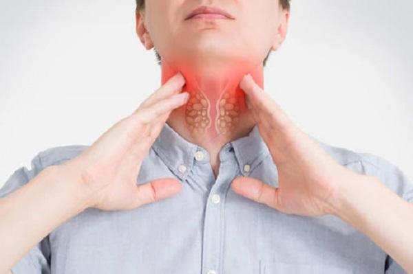 Nuốt nghẹn có thể là triệu chứng của ung thư thực quản