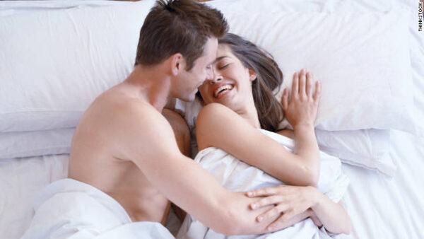"""Thuốc ngừa thai khẩn cấp là """"cứu cánh"""" cho những cặp đôi lỡ quan hệ mà quên dùng biện pháp tránh thai."""