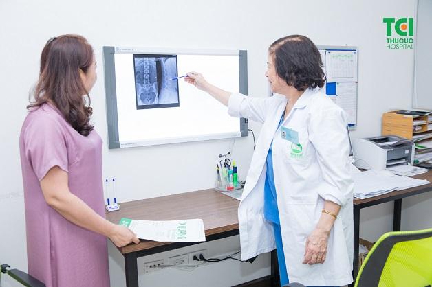 Chụp X quang liên tục - bác sĩ đọc kết quả chụp