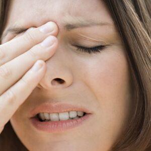 Cách chẩn đoán và điều trị chứng đau nửa đầu nhức mắt phải