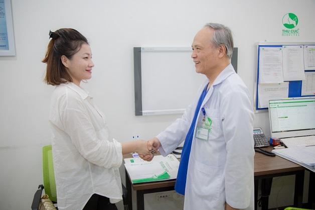 Để biết đặt vòng tránh thai có tác dụng phụ gì chị em nên tới gặp bác sĩ