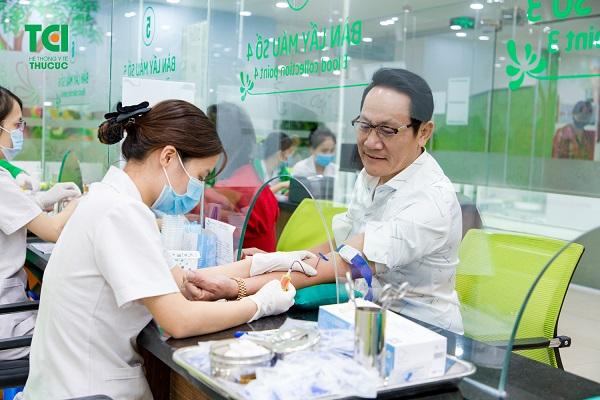 thăm khám sức khỏe cần giấy tờ gì