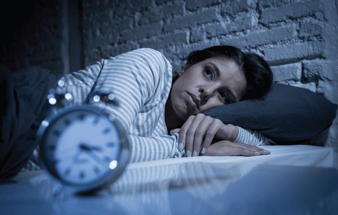 Khi lượng Progesterone ở mức thấp sẽ gây nên tình trạng mất ngủ - một biểu hiện dễ nhận biết của rối loạn hormone nữ
