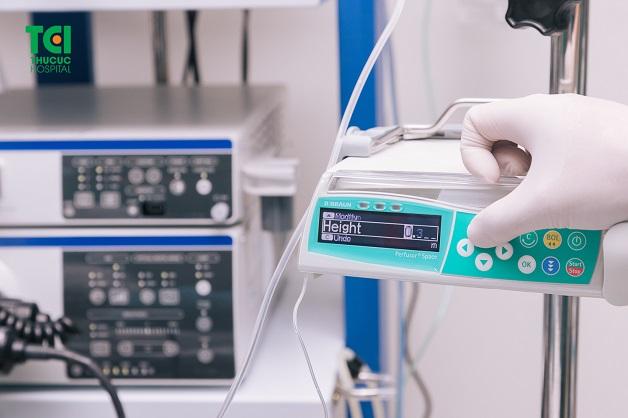 Gây mê trong nội soi dạ dày không đau sử dụng bơm tiêm điện tự động