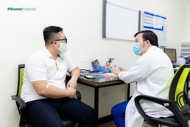 Người bệnh nên đến khám sàng lọc và lấy thuốc làm sạch đại tràng trước ngày nội soi
