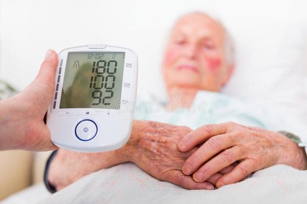 Tăng huyết áp kịch phát là triệu chứng hay gặp