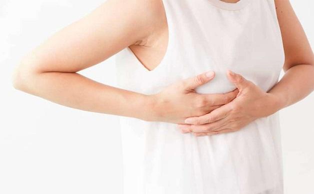 Đau ngực là dấu hiệu phổ biến nhất nhận biết u nang tuyến vú