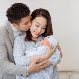 Vợ diễn viên Mạnh Quân (Lửa ấm) vỡ ối sớm, hạ sinh con 4kg